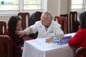 Bệnh viện Chữ Thập Xanh đồng hành cùng sức khỏe đội ngũ giáo viên trường THPT Thạch Bàn